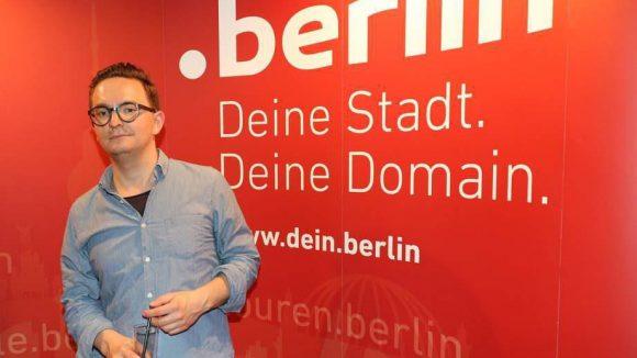 Ein zufriedener .berlin-Kunde ist Christian Weber von der Grafik- und Kommunikationsdesign-Firma Webersupiran.