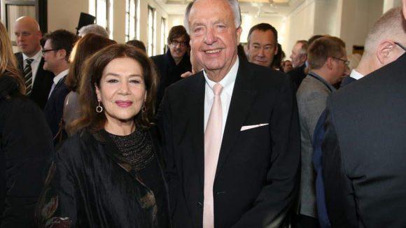 Hannelore Elsner neben Ex-Kulturstaatssekretär Bernd Neumann, einem ausgewiesenen Filmförderer.