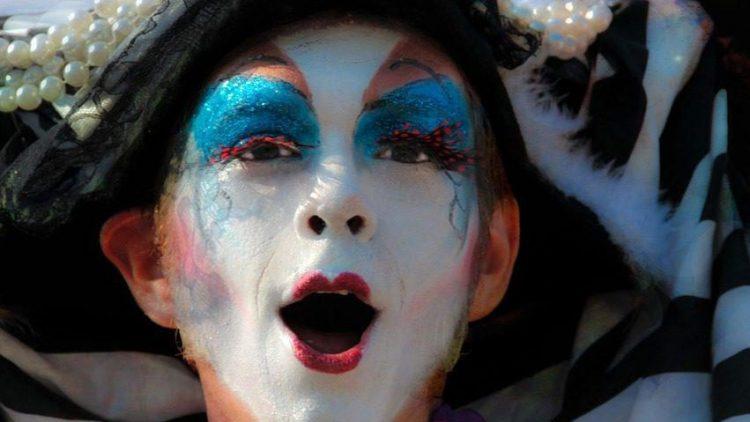 Die unterschiedlichsten Varieté-Aufführungen bekommst du zur Veranstaltung Berliner Feinkost goes Butzke vorm Feiern gezeigt.