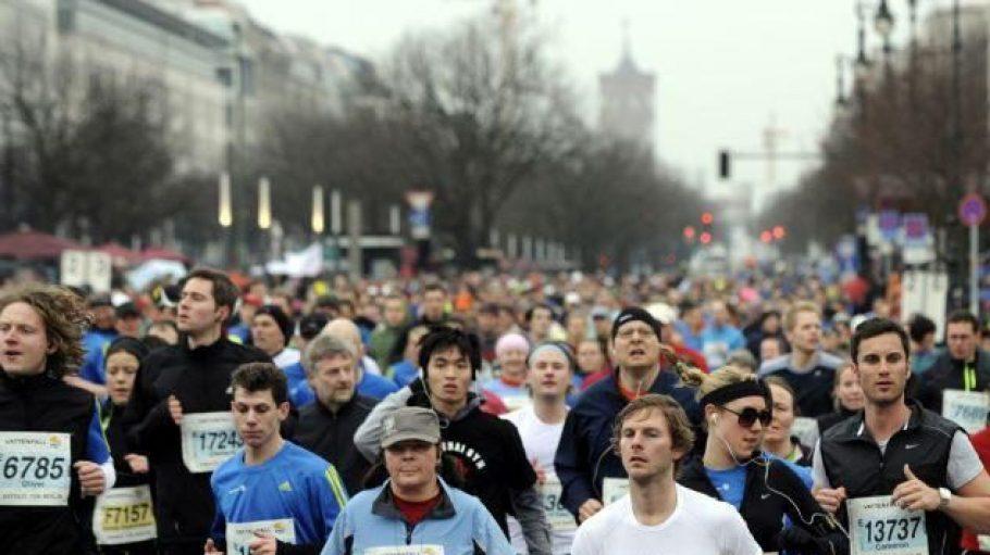Am Halbmarathon in der Hauptstadt nehmen die unterschiedlichsten Läufer teil.