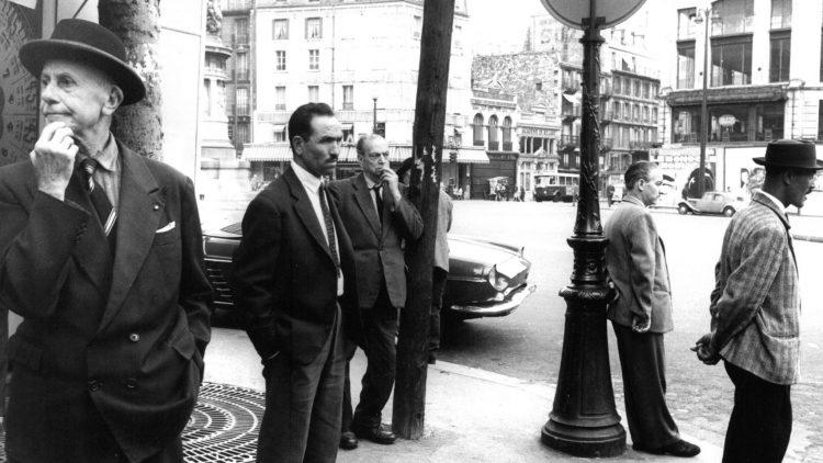 Eines der Bilder, das zum European Month of Fotography im Museum für Fotografie zu sehen sein werden: Bernard Larsson: Straßenszene in Paris,1961.