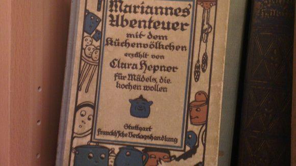 """""""Mariannes Abenteuer mit dem Küchenvölkchen""""."""