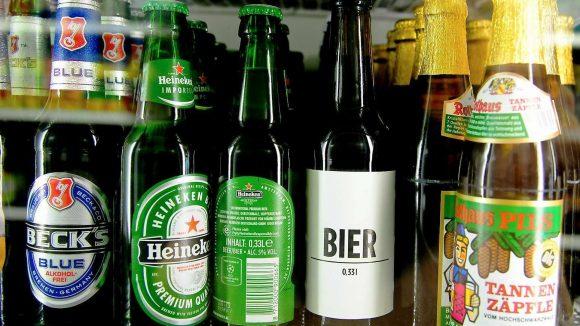 Dieses Bier ist mit Liebe gemacht, sagt das Etikett. Das Ordnungsamt sieht das weniger romantisch als Ordnungswidrigkeit.
