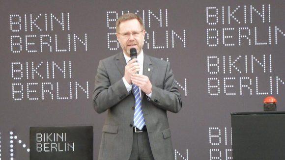 Bezirksbürgermeister Reinhard Naumann sieht die Eröffnung des Einkaufszentrums als wichtigen Bestandteil des Aufschwungs der City West.