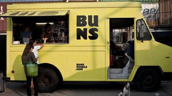 Typisches Street Food-Gefährt vom Buns Mobile.