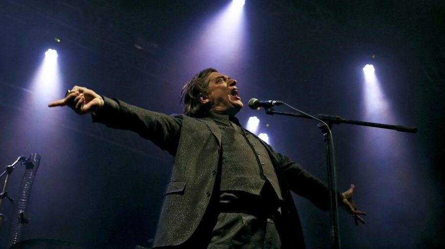 Blixa Bargeld bleibt international aktiv, wie letztes Jahr beim Primavera Sound Festival in Porto.