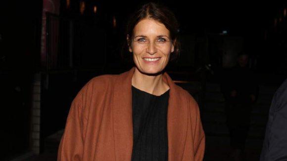"""Auch Friederike Sirin ließ sich den Auftritt nicht entgehen. Früher war sie TV-Journalistin, heute macht sie mit dem Label """"petit cochon"""" Kindersachen, die mitwachsen."""