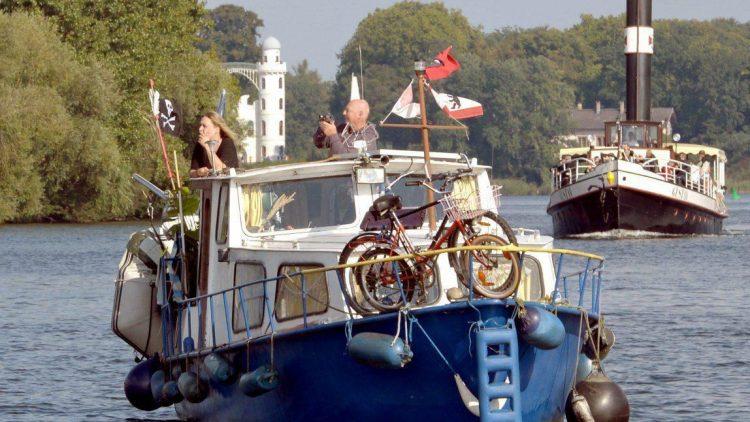 Wasser, Boot und Natur: Entspannung pur.