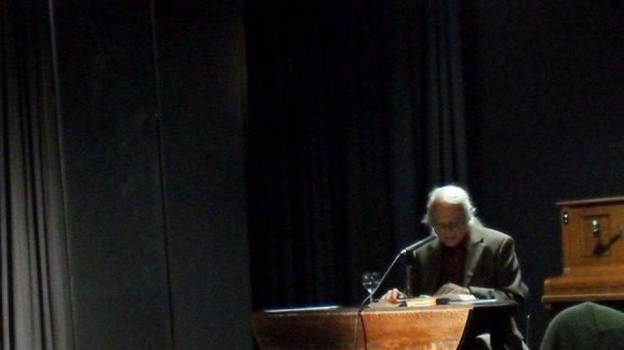 "Lesung von Horst Bosetzky im ""Theater Coupé""."