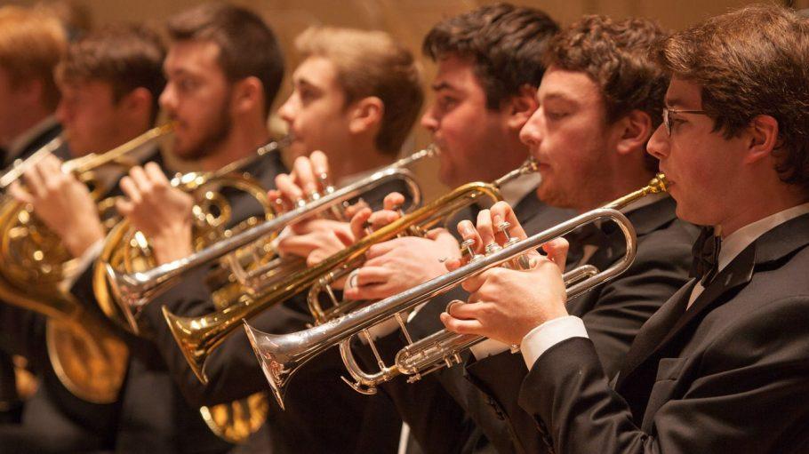 Die Musiker des Boston Philharmonic Youth Orchestra sind zwischen 11 und 21 Jahren jung.