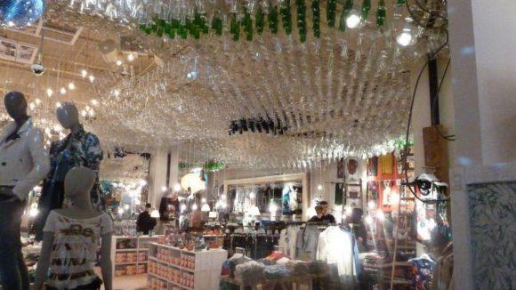 Ganz schön extravagant: der neue Desigual Store - immerhin der einzige auf der Schlossstraße