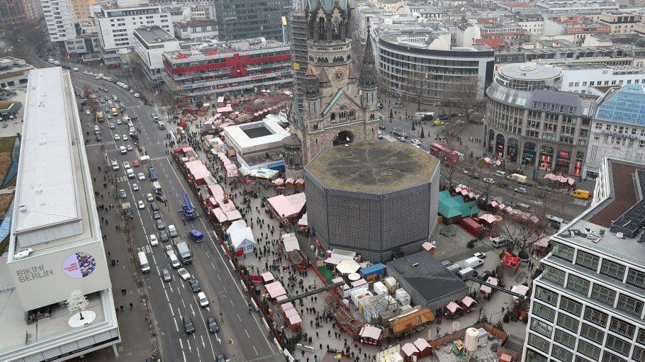 Der Weihnachtsmarkt am Breitscheidplatz hat drei Tage nach dem Anschlag wieder geöffnet.