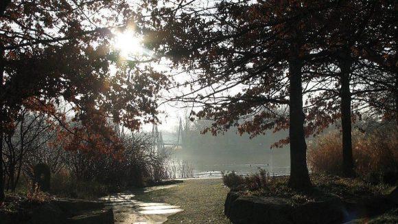 Der Britzer Garten hat auch im Herbst eine Menge reizvoller Ecken.