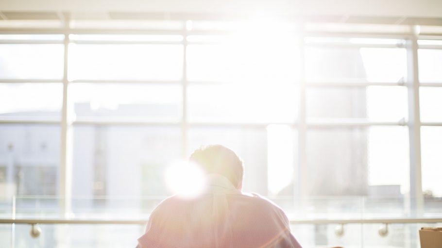 Für die gründung eines Start-ups brauchst du nicht nur einen schönen Arbeitsplatz, sondern musst auch eine Menge im Voraus planen.