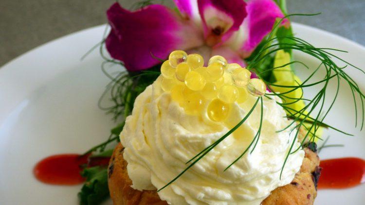 Kaviar zum Frühstück? Wir finden: Das kann man sich ruhig mal gönnen.