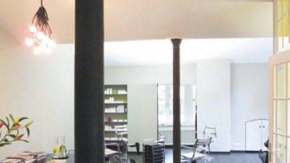 Hier lässt es sich entspannen. Ein offenes Raumkonzept für kreative Entfaltung und gewolltes Seelebaumelnlassen.