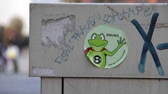 Der grüne Frosch Bruno ist nicht die einzige Intervention im öffentlichen Raum des Brunnenviertels.
