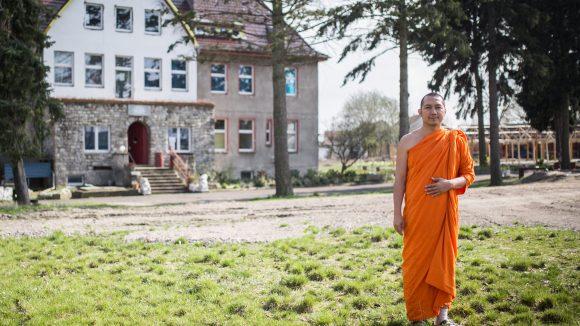 Ob zu diesem Kloster bald noch ein Tempel und ein Kulturzentrum hinzukommen? Die Mönche des Thailändischen Buddhisten Vereins Berlin hoffen darauf.