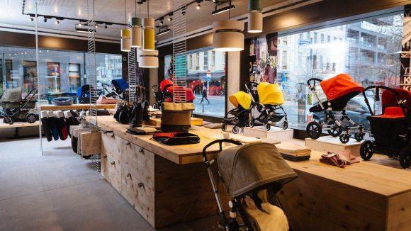 Schön hell, mit viel Sichtbeton und Holz: der neue Bugaboo Store in Berlin.