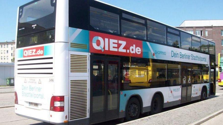 Die Schokoladenseite des QIEZ-Busses.