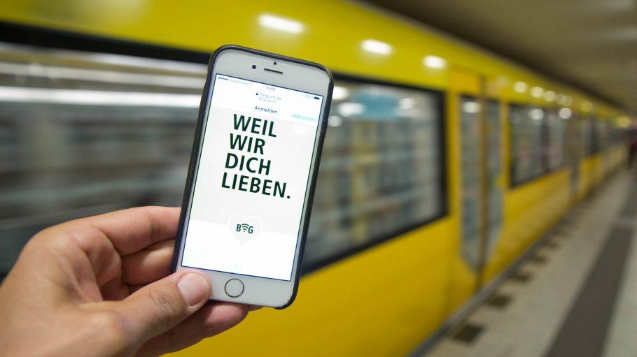 Und weil die BVG die Berliner liebt.