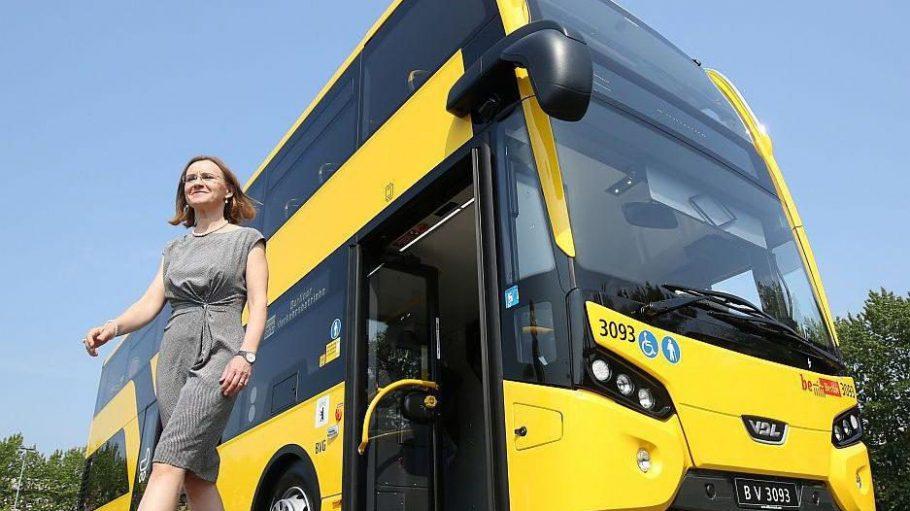 BVG-Chefin Sigrid Nikutta stellte am 11. August den neuen Doppeldecker-Bus vor, der demnächst nach Kladow fährt.