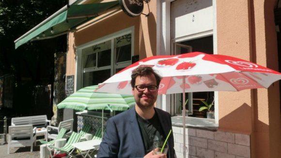 """An warmen Sommertagen sollte man auf jeden Fall die Eiskaffees im """"Goûter"""" probieren, findet der gebürtige Castrop-Rauxeler."""