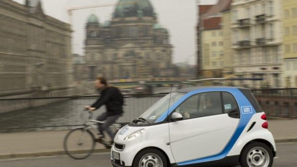 Stehen bald allen Berliner zur Verfügung: Smarts von Car2Go.
