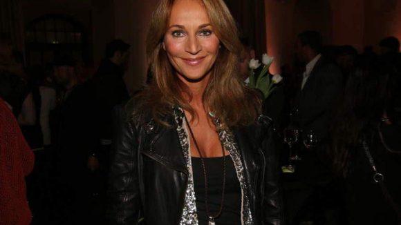 Caroline Beil schaute sich im Humboldt-Carré Manuel Kirchners Runway-Debüt an. Die erste Schau seines Labels Tulpen ...