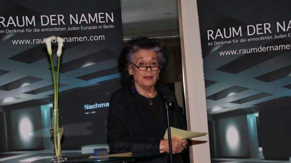 """Natürlich war auch Lea Rosh, die Vorsitzende des Förderkreises """"Denkmal für die ermordeten Juden Europas e.V."""", beim Abendessen dabei."""