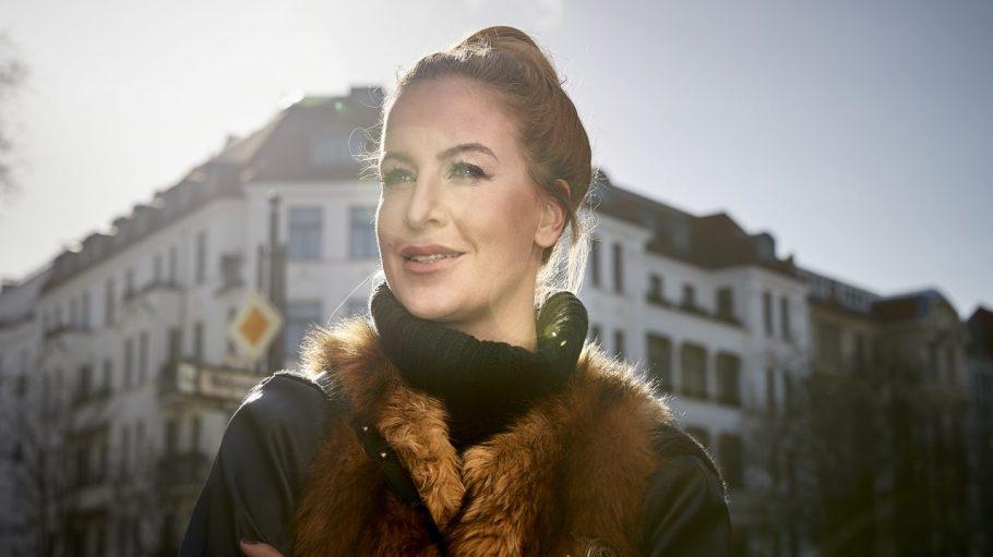 Moderatorin, Muttertier, Gründerin und Ehefrau von Sido: Charlotte Würdig am Adenauer Platz.