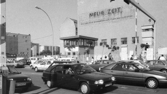 Checkpoint Charlie, 1992 ...