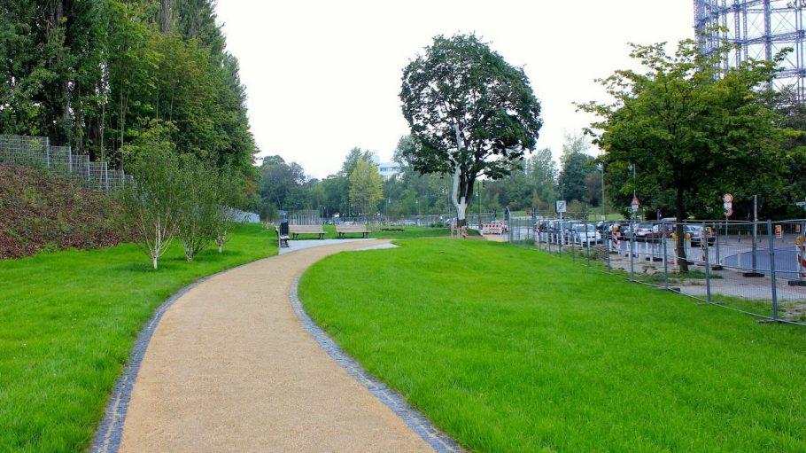 Der Cheruskerpark mitBlick vom Eingang Gotenstraße.