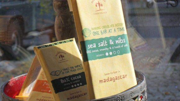 ... Schokolade mit Salz aus fairem Anbau ...