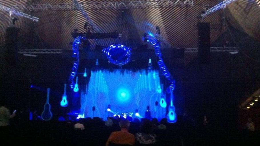 Blick auf die Bühne im Tempodrom.