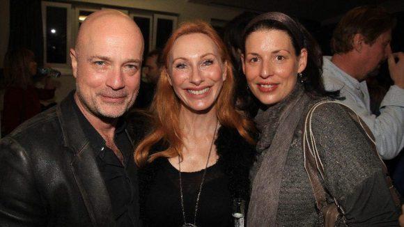 Das Schauspieler-Ehepaar Christian Berkel und Andrea Sawatzki mit Kollegin Elena Uhlig (rechts).