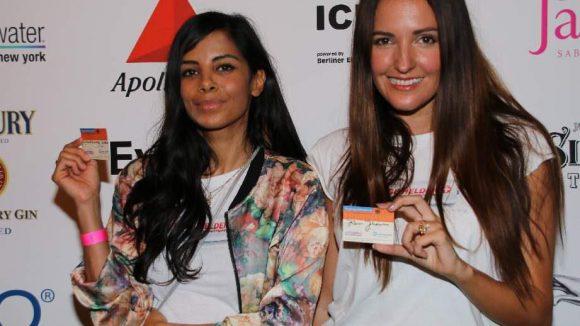Die Moderatorinnen Collien Ulmen-Fernandes und Johanna Klum (rechts).