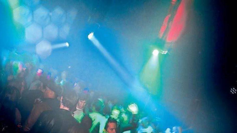 """Eintauchen in die Stadt. Die Clubs auf dem RAW-Gelände gehören bei den Mitgliedern der Facebook-Gruppe """"Neu in Berlin"""" zu den beliebtesten Treffpunkten."""