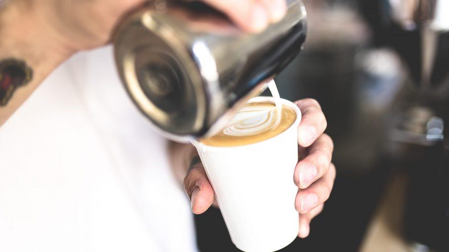 Dein Coffe to go landet wohl bald in einem Becher, der gut für die Umwelt ist.