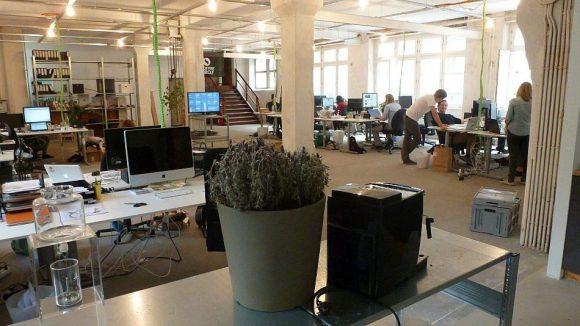In den neuen Räumen in der Lindower Straße gibt es reichlich Platz für die 20 Mitarbeiter von Coffee Circle.