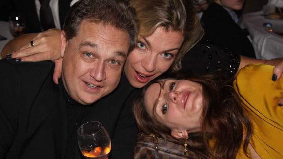 Hatten Spaß: Oliver Kalkofe mit seiner Frau Connie Frielinghaus und Schauspielerin Nadine Schori (rechts).