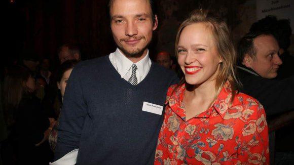 "Fröhlich gestimmt waren auch Ralph Kretschmar (""Hangtime"") und Livia Matthes (""Der Nanny"")."