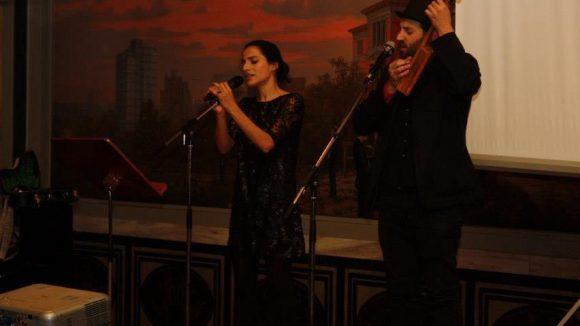 Mit ihrer Musik stimmten Sesede Terziyan und Daniel Kahn die Besucher im Rathaus Schöneberg im letzten Jahr auf das CrossKultur-Festival ein.