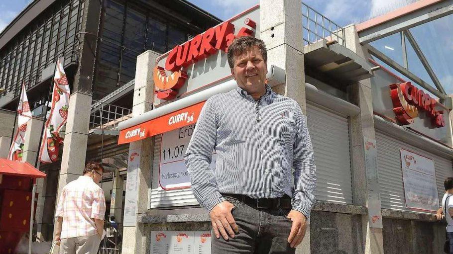 Imbisschef Lutz-Michael Stenschke eröffnet am heutigen Mittwoch einen Ableger seines Kreuzberger Imbisses.