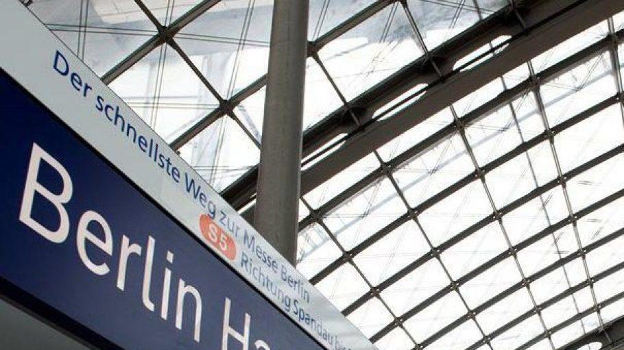 Das Dach des Berliner Hauptbahnhofs hält nicht mehr so richtig dicht ...