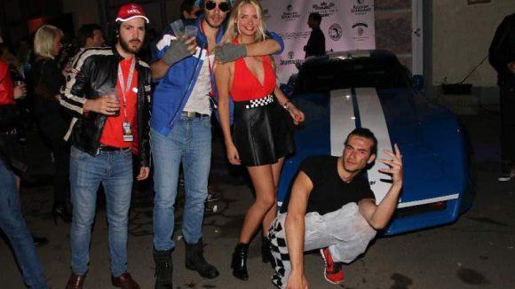 Und jetzt wird's wild! Bei der Dandy Diary-Party in der Kreuzberger Auto Werkstatt Klas - Cemil Yasar war der Dresscode: Katie Price, Michael Schumacher, Motocross, Opel Club Brandenburg, Early 2000 Racing Style.