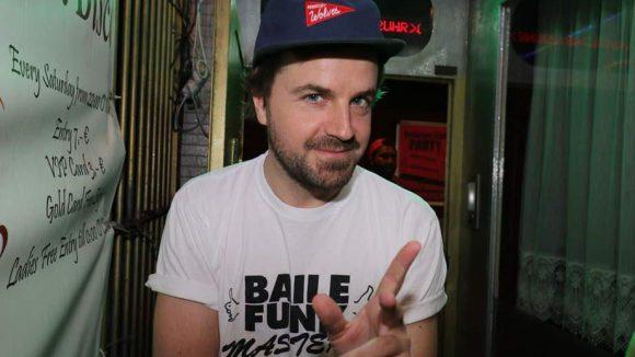 ... DJ Schowi ...