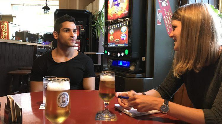 Wie ist es, einen Callboy zu spielen? Wir treffen Daniel Rodic auf einen Drink in einer Berliner Eckkneipe.