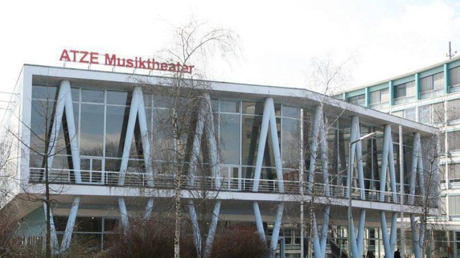 Eigeninszenierungen, Märchen und Klassiker werden im ATZE aufgeführt. Es besteht seit 1985 und ist das größte Musiktheater für Kinder.