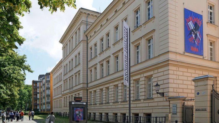 Das Bröhan-Museum in der Charlottenburger Schlossstraße gibt's jetzt einmal in der Woche umsonst.
